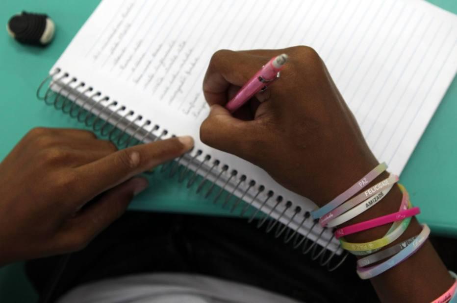Conselho convida professores a avaliar Base Nacional do Ensino Médio